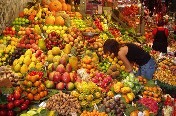 Image:Fruit Stall in Barcelona Market-lani7.jpg
