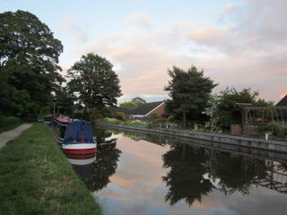 NarrowboatPicture3.jpg