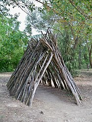 Image: Reconstruction of shelters at Terra Amata, France