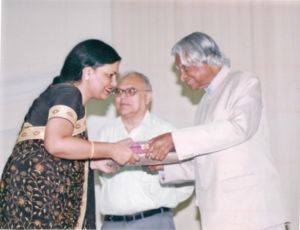 Sarita Kumar being awarded by A.P.J Abdul Kalam